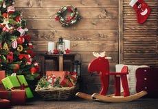 为圣诞节装饰的室 免版税库存图片