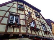 为圣诞节装饰的小城市史特拉斯堡-阿尔萨斯,法国 免版税图库摄影