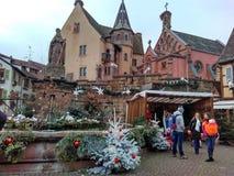 为圣诞节装饰的小城市史特拉斯堡-阿尔萨斯,法国 库存照片