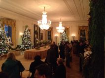 为圣诞节装饰的白宫东部室 库存图片