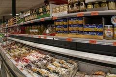 为圣诞节购物准备的超级市场 免版税图库摄影