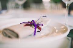 为婚礼装饰的餐巾 免版税库存图片