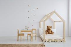 为孩子设置的家具 库存图片