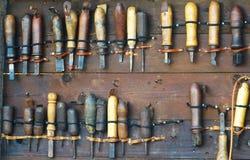 为工作木头的古老工具 免版税库存照片