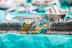 为开放心脏手术的外科器械 免版税库存照片