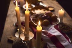 为感恩晚餐服务的桌看法 库存照片