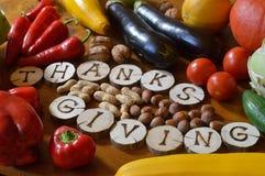 为感恩水果和蔬菜装饰 免版税库存图片