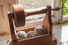 为手转动的古老木工具 免版税库存照片