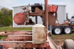 为板条和射线被处理的未加工的木材 库存图片