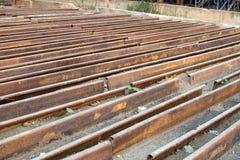 为次要使用的钢基底脚手架建筑的 库存图片