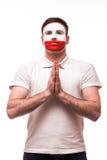 为波兰祈祷 波兰足球迷为波兰国家队祈祷 图库摄影