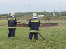 为消防队员实践准备 免版税库存图片