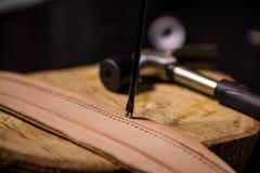 为皮革工作的工具 图库摄影