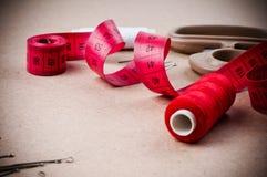 为缝合的工具和手工制造 免版税库存照片