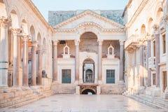 为罗马帝国皇帝建造的古老宫殿Diocletian -分裂,克罗地亚 免版税库存照片