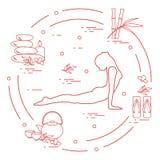 为自关心,按摩的女子瑜伽姿势,竹和各种各样的工具 皇族释放例证