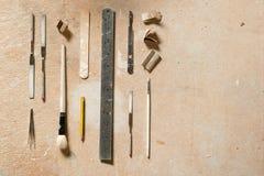 为艺术和工艺平的位置的工具与拷贝空间 图库摄影