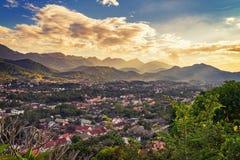 为观点环境美化在日落在琅勃拉邦,老挝 免版税库存图片