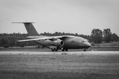 为起飞军事运输航空器安托诺夫An-178做准备 库存照片
