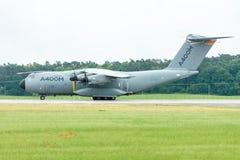 为起飞军事运输航空器空中客车A400M地图集做准备 库存图片