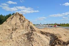 为路的建筑带来的沙子 免版税库存图片