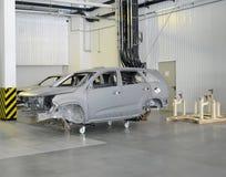 为绘准备的汽车身体  汽车pla商店  免版税图库摄影