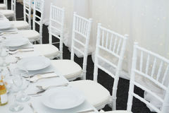 为结婚宴会布置的花梢桌 图库摄影