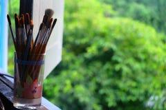 为画的工具在油漆刷 库存照片