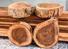 为建筑准备的木材片断 免版税图库摄影