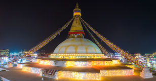 为Losar照亮的Boudhanath stupa在加德满都 免版税图库摄影