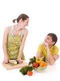 主妇prepearing的蔬菜 库存照片