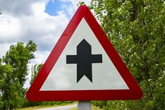 主要和次要路的交叉点是路标 免版税图库摄影