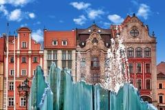 主要市场正方形在有老五颜六色的房子的弗罗茨瓦夫波兰 免版税图库摄影