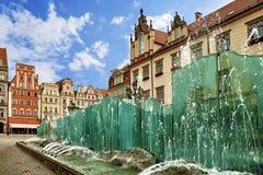 主要市场正方形在有老五颜六色的房子的弗罗茨瓦夫波兰 库存照片