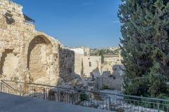 主要装门和老城市的堡垒墙壁的耶路撒冷 库存照片