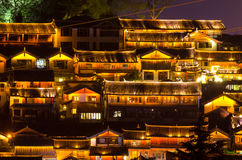 丽江古城的夜风景视图在云南,中国 库存照片