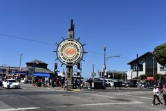 举世闻名的` Fishermans码头旧金山`标志, 1 库存图片