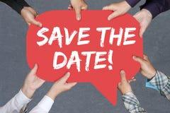 举行救球的人日期邀请消息informa 免版税库存照片