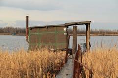 之后apo在湖的村庄 库存照片