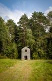 之家在森林里 免版税库存照片