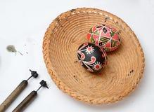 乌克兰人与铁笔的复活节彩蛋 免版税库存图片