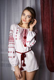 乌克兰全国礼服的美丽的女孩 库存照片