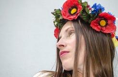 乌克兰全国头饰的女孩 免版税库存图片