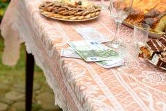 乌克兰婚姻的传统是新郎的新郎的赎金 免版税库存照片