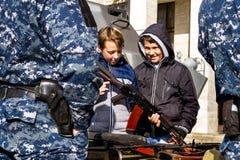 乌克兰指示天祖国的防御者 免版税库存照片