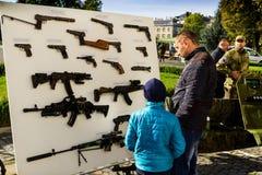 乌克兰指示天祖国的防御者 库存照片
