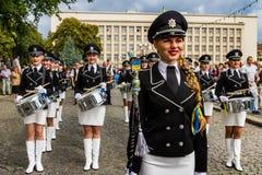 乌克兰的状态旗子的天的庆祝在Uzhgorod 免版税库存照片