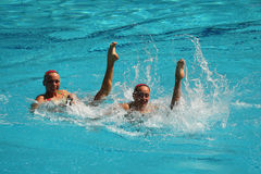 乌克兰的洛丽塔Ananasova和安娜Voloshyna任意竞争在花样游泳二重奏里约的惯例初阶期间2016年 免版税图库摄影