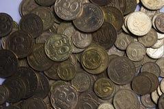 乌克兰硬币,许多金钱hryvnia和便士,背景 免版税图库摄影