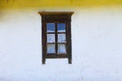 乌克兰种族农村房子窗口细节  免版税库存照片